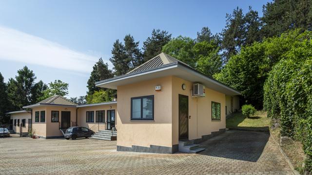 Esterno sede casa produzione e agenzia di comunicazione Soundless Studio a Villarbasse - Torino.