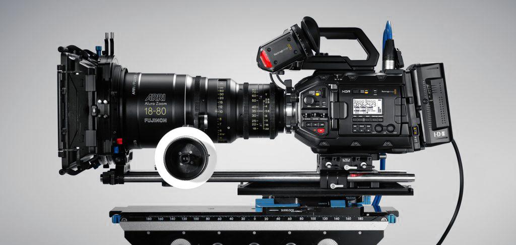 Immagine dlle cine camera Black Magic Ursa mini pro, con risoluzione video in 4.6K.